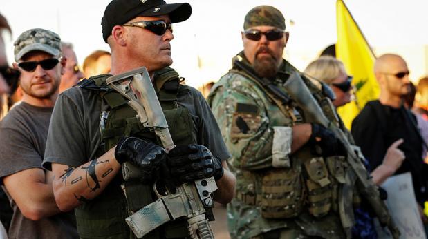 Milicias y activistas de extrema derecha podrían usar armas para frenar a la caravana