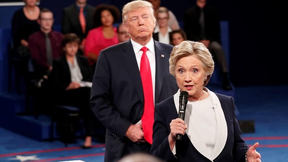 Hillary Clinton llama a votar en contra de Donald Trump