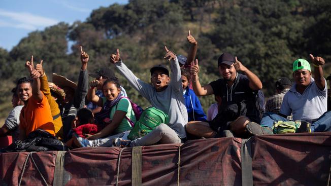 Arriban primeros integrantes de la nueva caravana migrante a la frontera con México