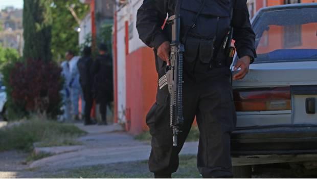 """""""Ahorita vamos y rafagueamos a tu familia"""": Difunden audio con amenazas a comandante de El Salto"""