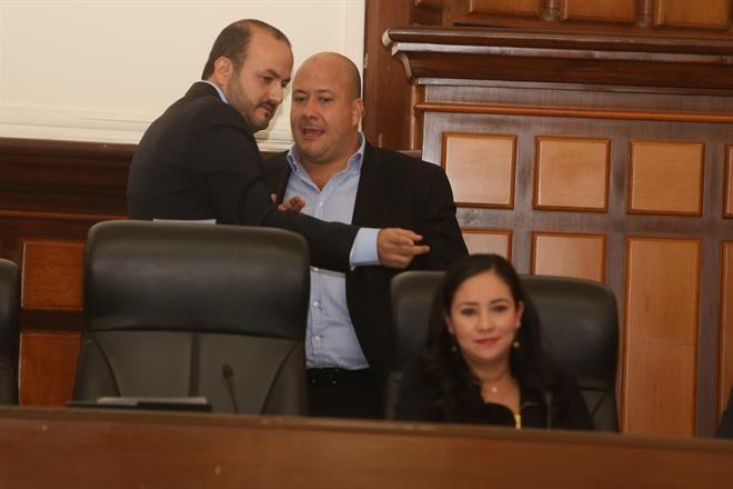 """""""Si es necesario y hay diferencia de opiniones defenderé esta universidad"""", dice Villanueva sobre relación con Alfaro"""