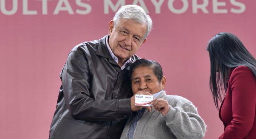 Llama López Obrador a erradicar la violencia contra las mujeres