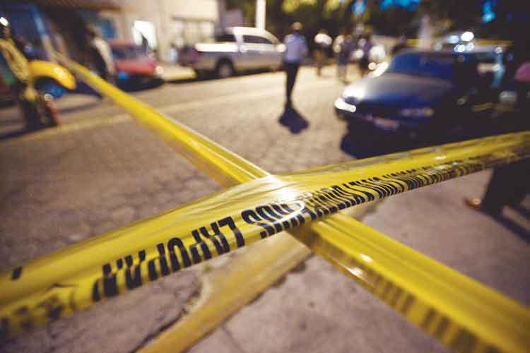 Suman 17 cadáveres exhumados en fosa clandestina de El Colli