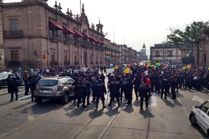 Ante posibles despidos, policía de Michoacán se paraliza