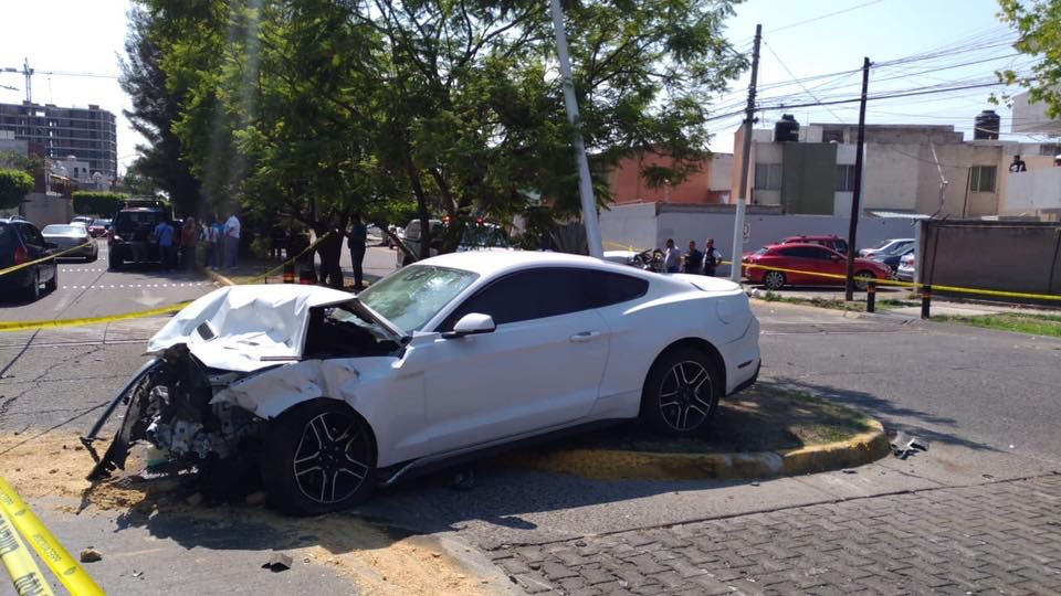 Jugador de fútbol en accidente de auto causó la muerte de recién casados