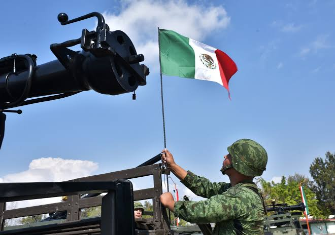 """Muchos esperan """"milagros"""" de la Guardia Nacional"""
