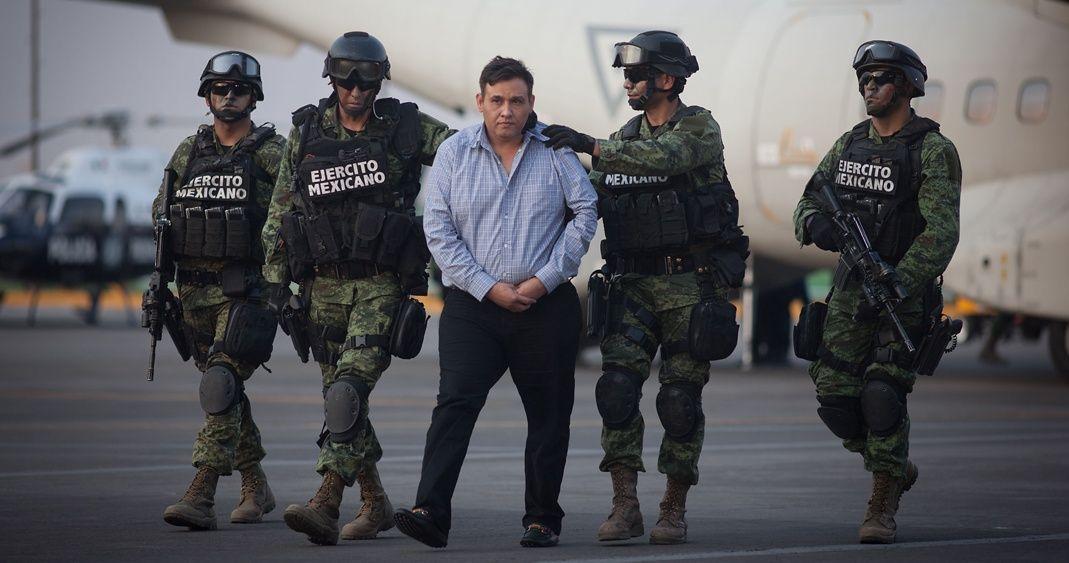 En México, 18 años para el Z-42; en Estados Unidos, cadena perpetua para el Chapo