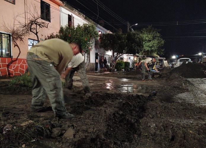 Tormenta inunda 24 casas en Chapala