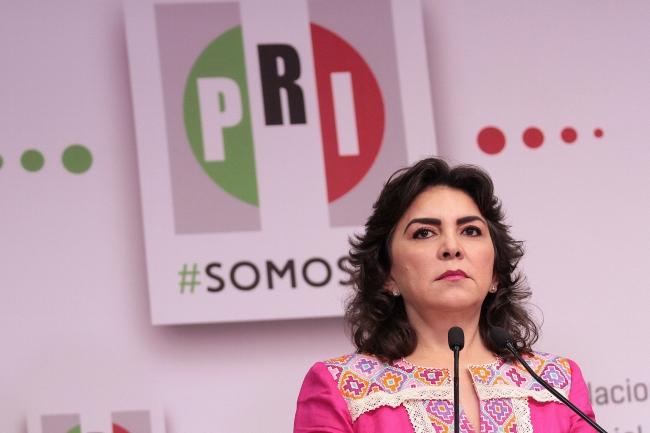 Ivonne Ortega renuncia al PRI tras perder elección interna