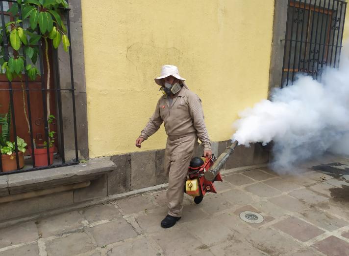 Salud Jalisco defiende efectividad de insecticida caduco