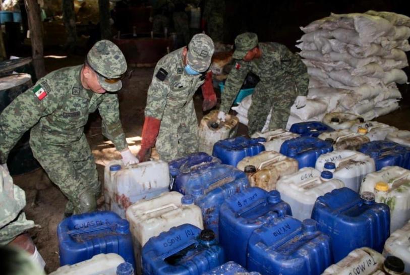 Narcolaboratorio es asegurado por la Sedena en Jilotlán de los Dolores