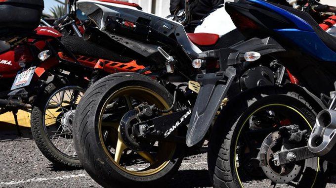 Confirman aumento de 404% en refrendo para motos y 15% para autos