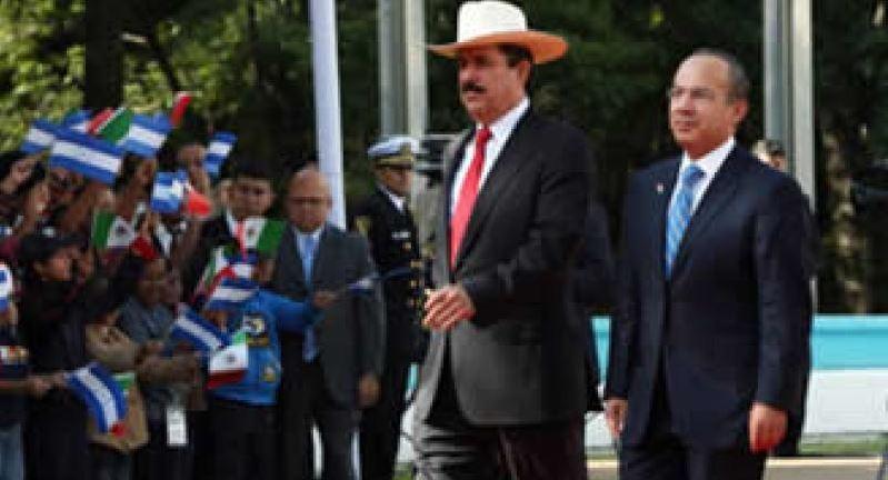 En 2009, Calderón recibió al depuesto presidente de Honduras