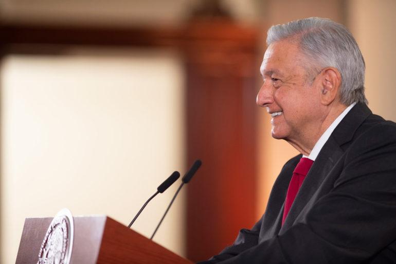 """López Obrador acepta debatir pacto fiscal federal, pero """"no es el momento"""", dice"""