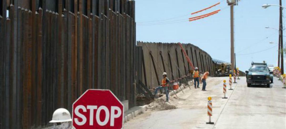 Pentágono de EU autoriza 3 mil 800 mdd para muro fronterizo con México