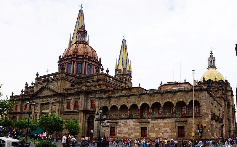 Aprueban más de 20 mdp para iluminar edificios en Guadalajara