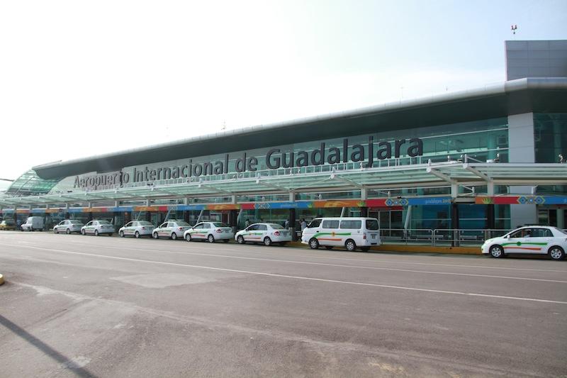 GAP rechaza restricción de vuelos propuesta por Alfaro