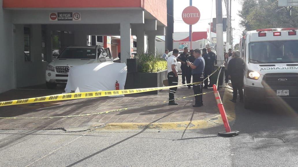 Asesinan a hombre afuera del hotel Puerta del Sol