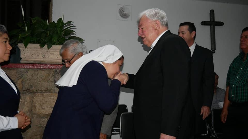 El cardenal Sandoval y #UnDíaSinMujeres