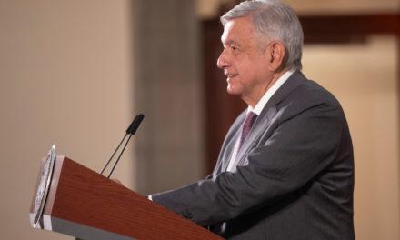 """Promete López Obrador """"inyección de dinero"""" a partir de mayo"""