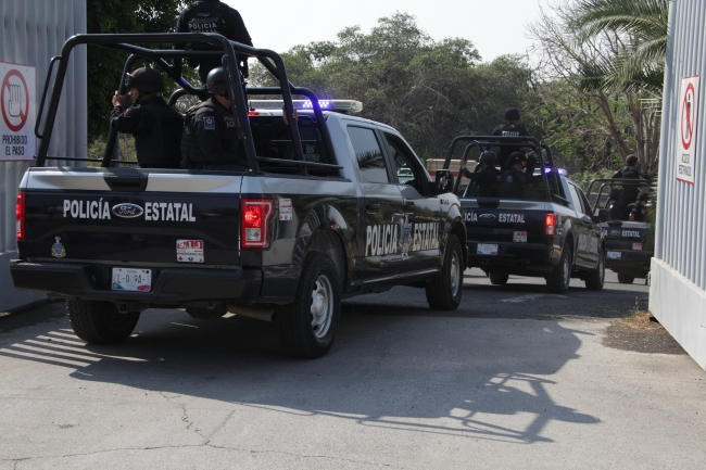 Desaparecen 10 policías de Colima y dos civiles, en Jalisco