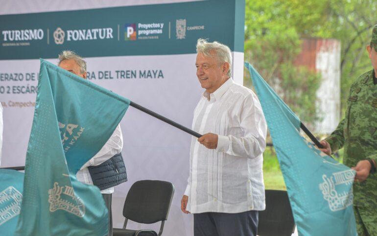 López Obrador da banderazo al segundo tramo del Tren Maya