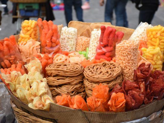 Prohíben en Oaxaca venta de comida chatarra a menores