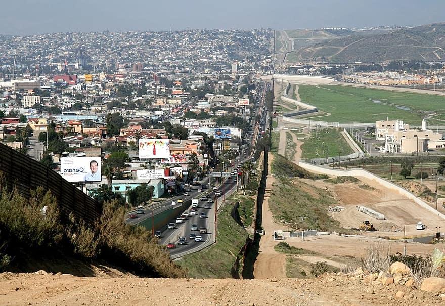 Prevén extender cierre fronterizo México-Estados Unidos