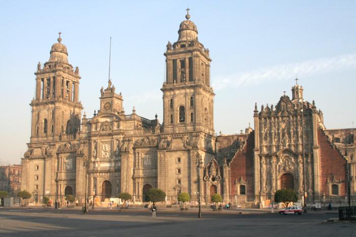 Desmienten toma de Catedral metropolitana por el Ejército