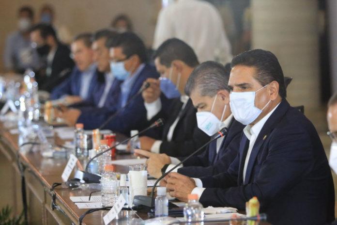 ¿Cuándo nos recibe?, contestan gobernadores a López Obrador