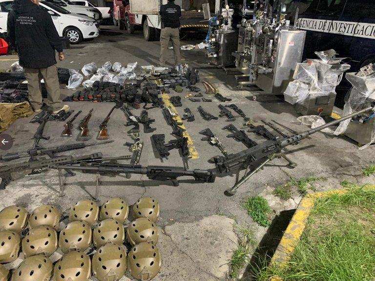 Aseguran rancho con arsenal y vehículos del CJNG en Lagos de Moreno