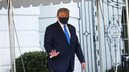 Donald Trump, internado en hospital tras dar positivo a Covid-19