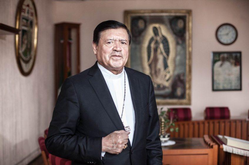 Norberto Rivera, sin fondos, intubado y con la extremaunción