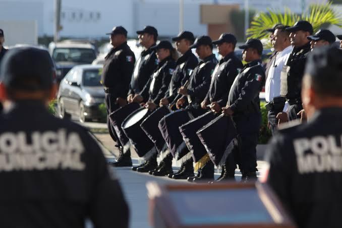 Policías detenidos por desaparición de familia, con previa orden de aprehensión