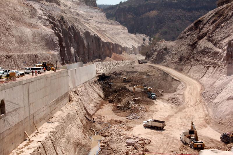 """30 mmdp para reactivar """"el monstruo"""" de la presa El Zapotillo: activista"""