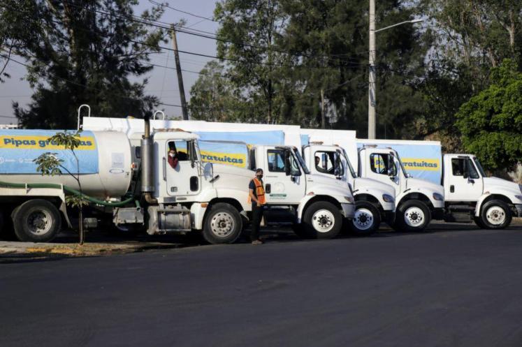 Continúa sistema de pipas por escasez de agua en Jalisco